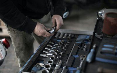 Werkzeuge und Material auf der Baustelle sinnvoll versichern